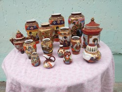 Japán Satsuma váza, dísztárgy gyűjtemény. 15 db