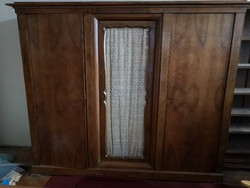 Antik szekrény