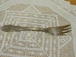 Jelzett ezüst desszertes villa.