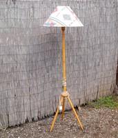 Retro kecses állólámpa