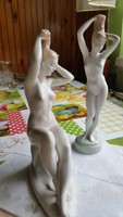 Porcelán női szobor eladó 2 db! Fésülködő nő.