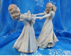 Táncoló lányok - jelzett antik porcelán szobor 1800-as évek porcelán manufaktúrájából