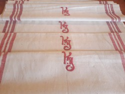 Monogrammos vászon törülköző