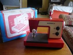 Retro játékvarrógép Michaela