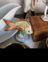Színes porcelán aranyhal jelzett