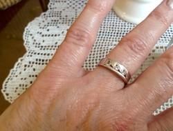 Fehérarany gyűrű,cirkónia kövekkel