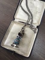 Régi tűzzománccal díszített ezüst kacsa nyakláncon