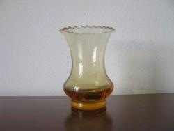 Kis üvrg váza