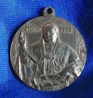 XI. Pius Pápa a Szent Péter Bazilikával vallási medál
