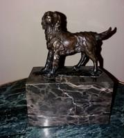 Szepen kidolgozott bronz Kutya