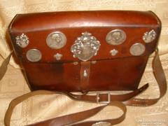 Antik Császári katonai futártáska +ezüstökkel nyeregre is rögzíthető ritkaság
