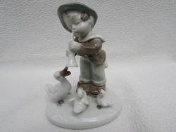 Nemet porcelan figura