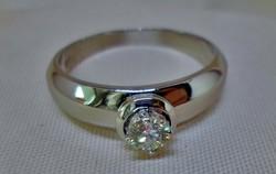 Gyönyörű fehér arany gyűrű  nagy brill kővel Cartier fazon.61-es méret