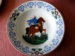 Antik huszáros wilhelmsburgi tányér
