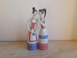 Hollóházi porcelán pletykás lányok