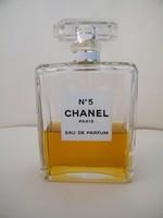 Klasszikus Chanel no. 5 parfüm