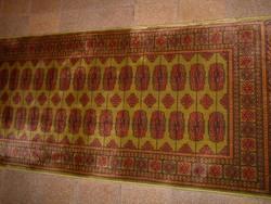 Vékony selyem hatású szőnyeg.210 cm x 69 cm-- szép állapotú