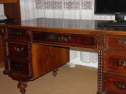 Ónémet stílusú íróasztal