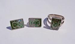 Sok köves ezüst gyűrű és fülbevaló, szett