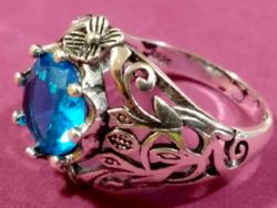 925-s töltött ezüst gyűrű, kék kristállyal