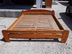 Eladó egy nagy méretű CLAUDIA fenyő ágykeret Bútorok szép állapotú, erős és stabil