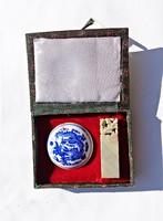 Fu dog stamping porcelain jar in box