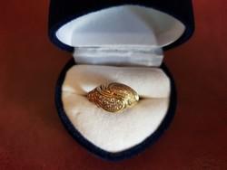 14K arany gyűrű cirkónia kövekkel