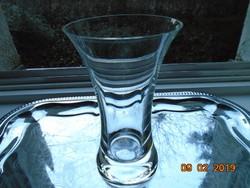 """""""Mana""""Virágstúdió modern vonalú,újszerű,címkés vastag talpú üveg váza-16,5 cm"""