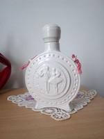 Porcelán kulacs jelzett