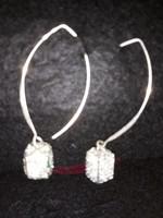 Ezüst  fülbevaló   kristályokkal   4500 ft