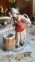 Porcelán vízhordó lány eladó! Sérült