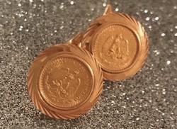 Csodálatos mandzsettagombok 18 és 21 karátos aranyból