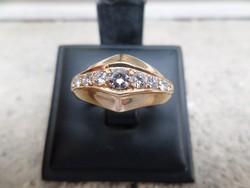 Arany gyűrű brillekkel