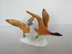 Bodrogkeresztúri kerámia szárnyaló vadkacsa pár