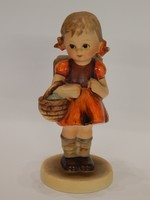 Hummel figura: Iskolás kislány