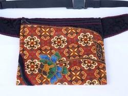 'INDIA VIRÁGA' - Kézműves indiai batikolt anyaggal díszített övtáska