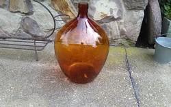 Óriási régi üveg palack