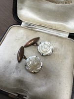 Régi kagyló gyöngyházból faragott rózsa mandzsetta