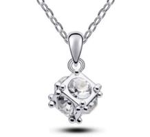 Ródiummal bevont ezüstözött  nyaklánc kristály köves medállal EBL-K30-2