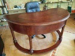 Toscana Moira/ b íróasztal
