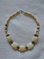 Antik világosbarna, bézs, törtfehér színű női nyaklánc