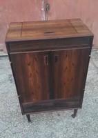 Zeneszekrény régi  antik  tv ,rádió , lemezjátszó  300.000 forint