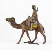 0X417 Antik beduin dromedár háton bécsi bronz