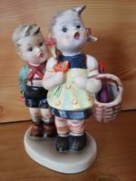 Bájos páros Hummel porcelán figura restaurált.