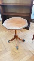 Chippendale kisasztal