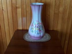 Mutatós porcelán váza, virágmintás, jelzett
