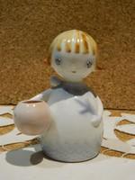 Aquincumi aquazur festésű angyalka.