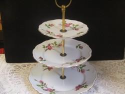 Gyönyörű Edelstein Bavaria sütemény kínáló