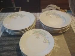 18 darabos tányérkészlet