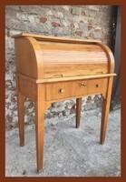 Kis méretű, redőnyös, rolós íróasztal